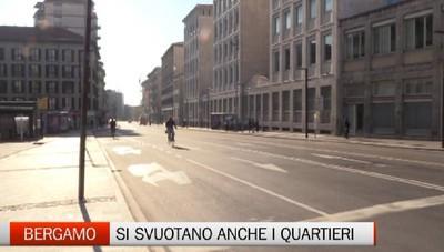 Bergamo sempre più deserta. E i negozi stanno chiudendo tutti