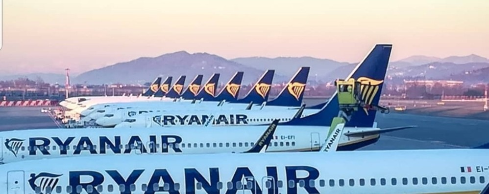 Cancellazioni e riduzioni dei voli L'Italia resta a terra