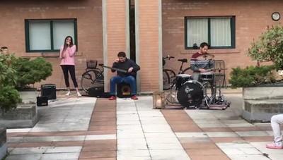 Flash mob sonoro  Abeba Suardi al Villaggio degli Sposi