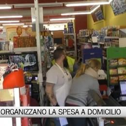 I negozi organizzano la spesa a domicilio