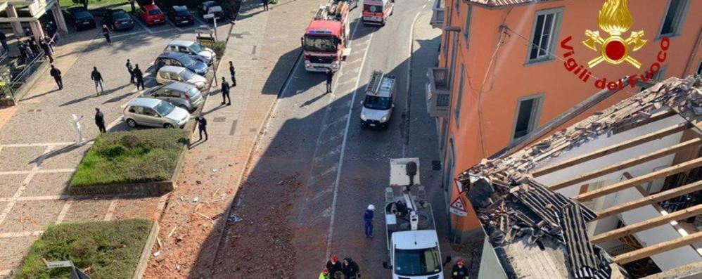 Casa esplosa a Seriate, il sopralluogo La prima ipotesi: tubo forato per sbaglio