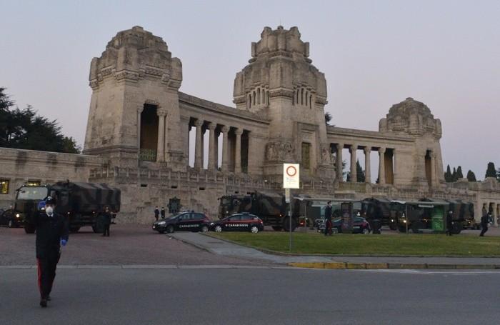 Intervento dell'esercito al cimitero monumentale di Bergamo