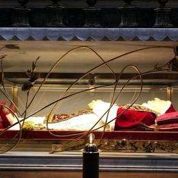 «Papa Giovanni, prega per la tua terra» La supplica del Cardinale Comastri - video