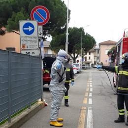Anziana sola e con l'influenza  cade a casa I vigili del fuoco la soccorrono ad Albano