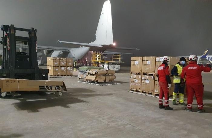Il C130 dell'Aeronautica Militare atterrato  a Orio nella notte tra sabato 21 e domenica 22 marzo