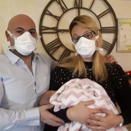 «Bentornata a casa piccola Aurora» La neonata positiva a Covid a Fiorano