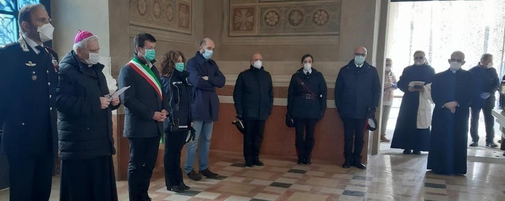 Bergamo, tornate le urne di 113 defunti L'omaggio del vescovo e della città