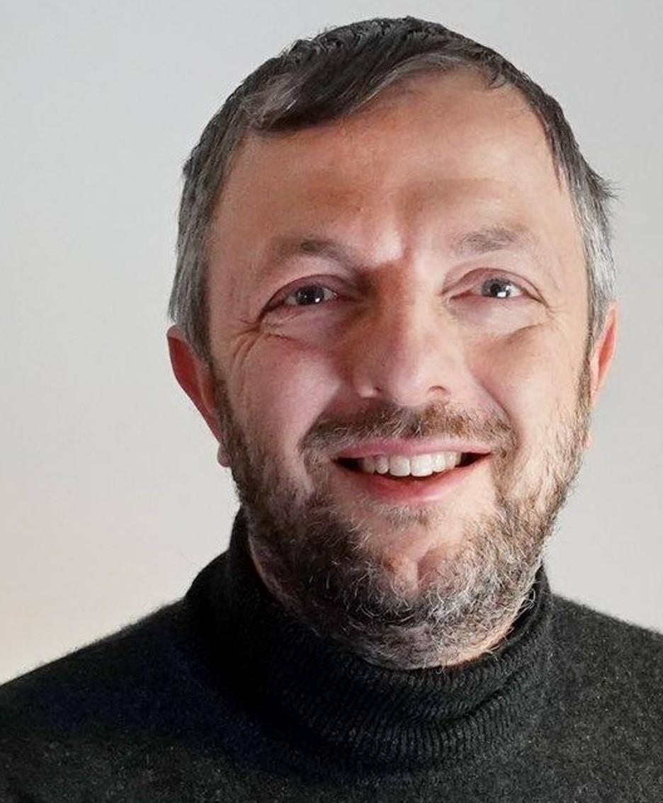 Enrico Bucci Ph.D. in Biochimica e Biologia molecolare (2001), è professore aggiunto alla Temple University di Filadelfia (USA).