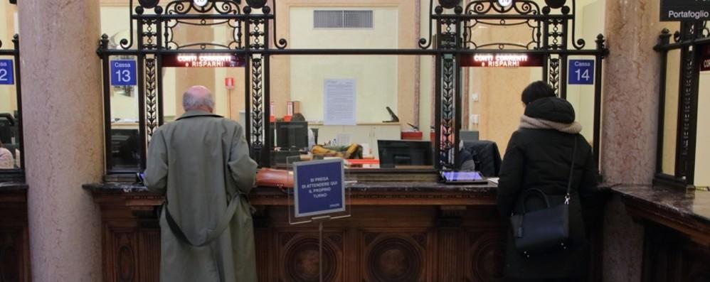 Bergamo, l'appello a tutti i pensionati: Niente corse in banca, seguite le regole