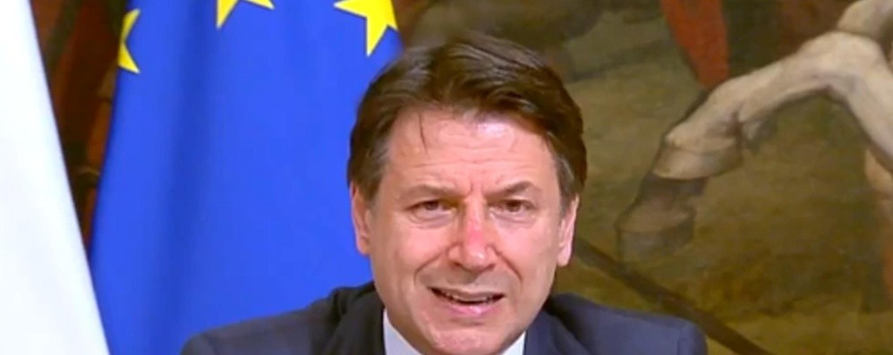 Conte, stanziati 4,3 miliardi per i comuni In arrivo 400 milioni per i bonus spesa