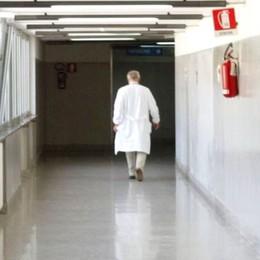 Morti ancora due medici bergamaschi Sono  52 i camici bianchi deceduti in Italia
