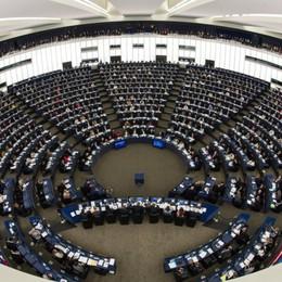 Economia in ginocchio l'aiutino dell'Europa