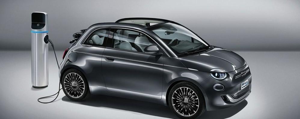 Fiat 500 full electric sino a 320 km di autonomia