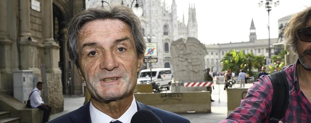 Fontana: «Il governo dia ora regole certe» Teleconferenza con tutti i sindaci lombardi