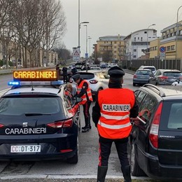 Fuori di casa senza motivo  A Bergamo arrivano le prime 11 denunce