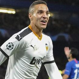 La storia di Rodrigo, l'ultima speranza del Valencia. Figlio d'arte scartato dal Real,  talento mai esploso fino in fondo