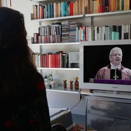 «Maria ci aiuti in questo momento» Segui qui il rosario con il vescovo