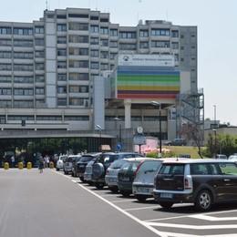 Covid-19, da giovedì tamponi Drive-in ai pazienti dimessi da Treviglio e Romano