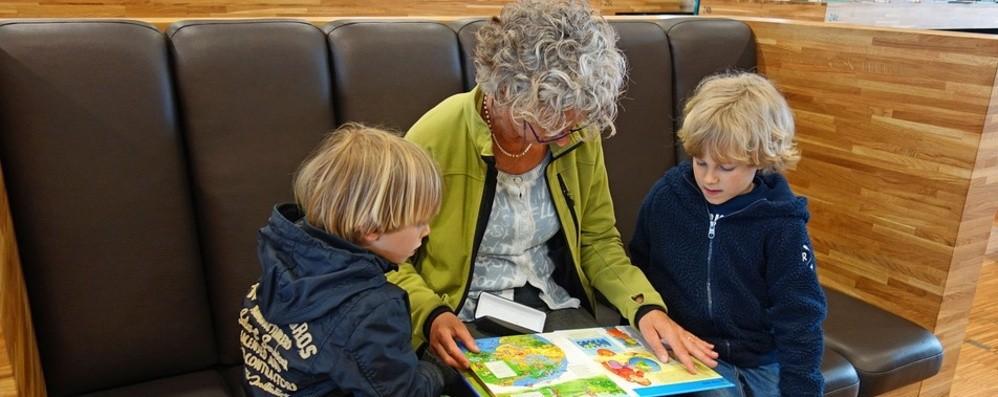 «Inventate filastrocche per i vostri nipoti» La bella lettera dei nonni Rossella e Gio