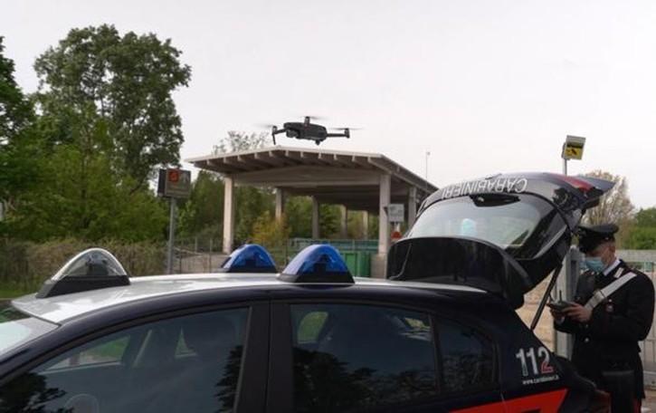 Evade dagli arresti domiciliari Rintracciato grazie al drone