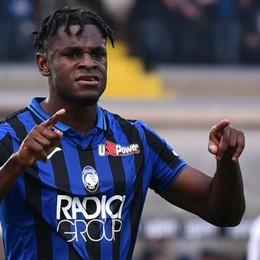 Le rose di Serie A svalutate di 1 miliardo di euro. L'Atalanta non ha «perso» tutto e il top resta Zapata. Le cifre in 4 grafiche