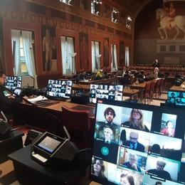 Bergamo, il Consiglio comunale in diretta Con il coronavirus in videoconferenza