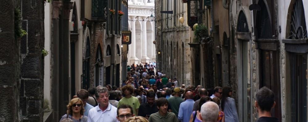Bergamo, si cambia vita con la fase 2 Niente orari di punta e tutto scaglionato