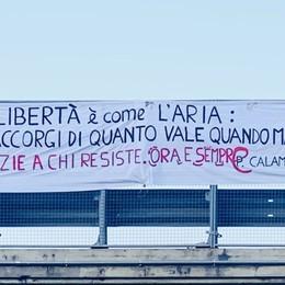 «Bella Ciao» sulla Corsarola deserta- Video 25 Aprile, il corteo nazionale virtuale-Video
