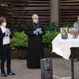 Il vescovo al Winter Garden Hotel «La preghiera ci dona forza»