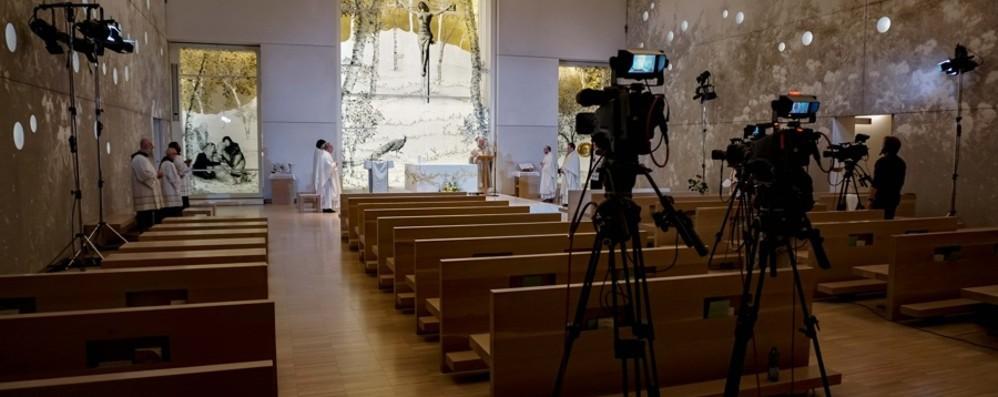 Sì ai funerali, no alle Messe con i fedeli  La Cei: compromessa la libertà di culto
