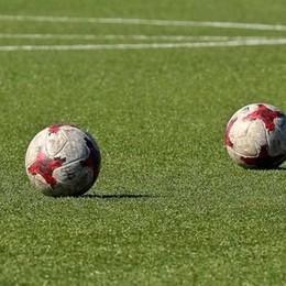 Il «sentiero stretto» del calcio, e il pantano dell'indecisione. Allenamenti, ok vicino: piccolo passo avanti verso la ripresa
