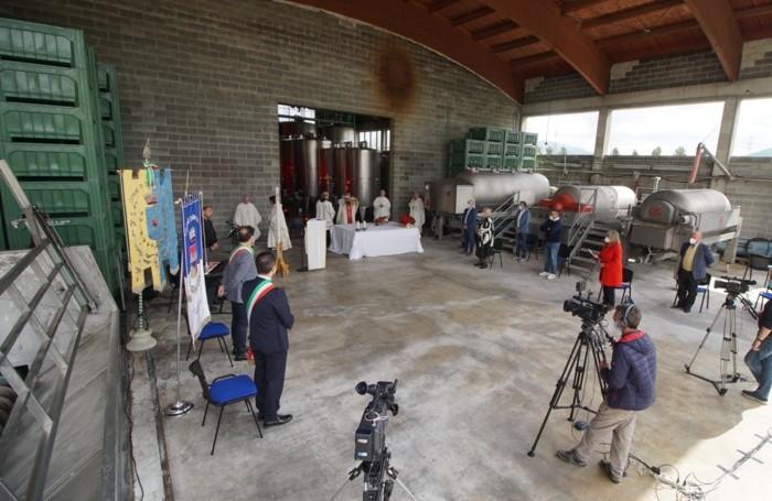 La Messa del Vescovo del Primo Maggio alla cantina sociale bergamasca di San Paolo d'Argon