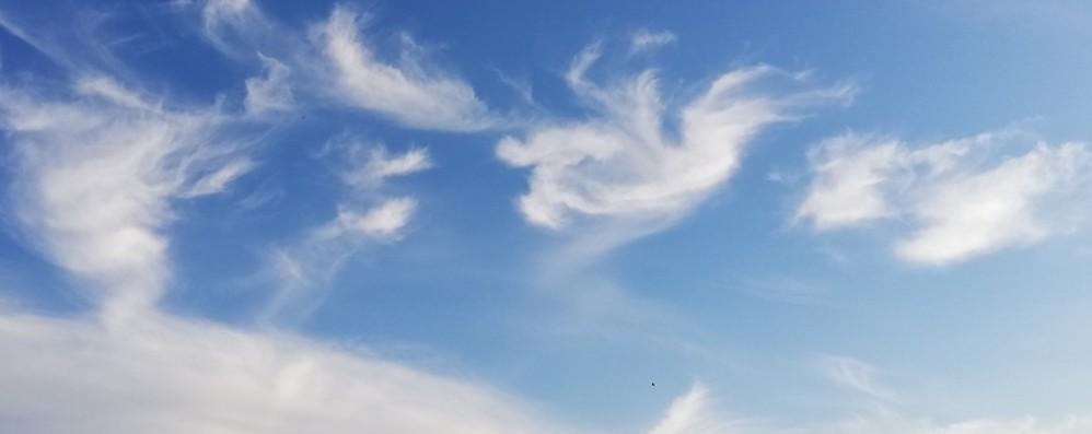 Meteo, c'è qualche nube sparsa Ma fa caldo e da giovedì sereno e sole