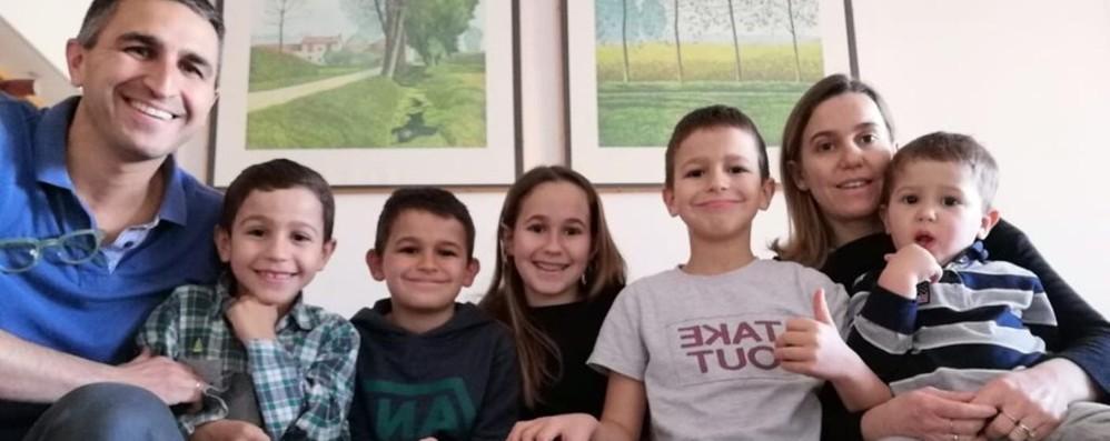 Due medici e una famiglia numerosa  «Chiusi in casa con 5 figli? Si può fare»