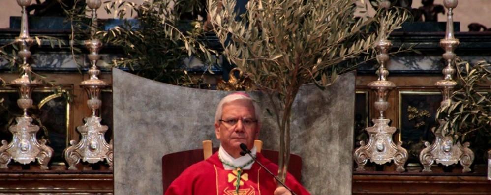 Il vescovo: un fondo per le famiglie  dalle donazioni dei sacerdoti