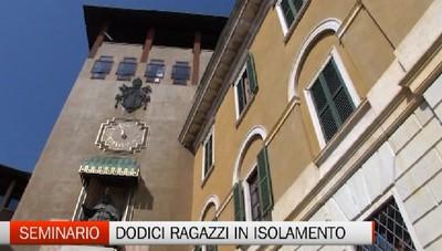 Isolati dal mondo. In 12 vivono la quarantena nel Seminario di Bergamo