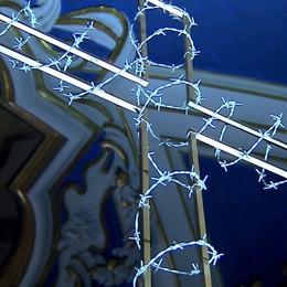 Via Crucis a Premolo con il vescovo Il dolore e il ricordo dei 24 sacerdoti defunti