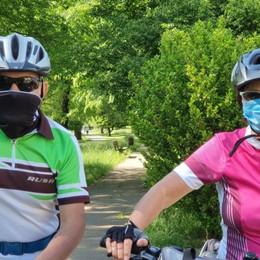 C'è anche una coppia divisa da due mesi Val Seriana, la vita ricomincia dalla ciclabile