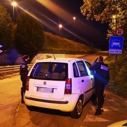 Inseguimento della polizia a Nembro Fermato extracomunitario con precedenti