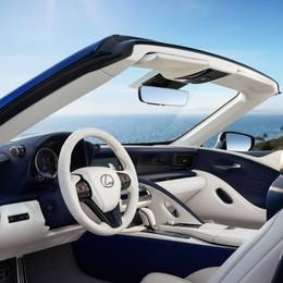 Lexus LC Convertible ai vertici della categoria