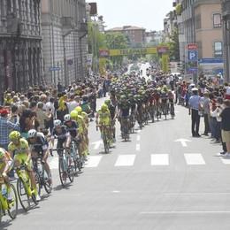 Salta l'Ungheria, il Giro pensa a Bergamo Omaggio a Gimondi e ai morti per il  Covid