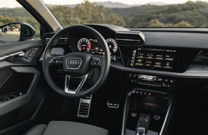 L'interno dell'Audi A3 Sportback