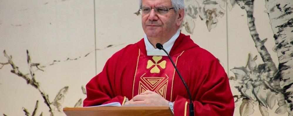 «La Croce diventa albero della vita» Venerdì Santo, il vescovo in ospedale