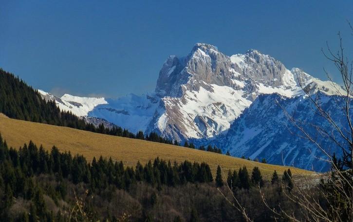 La montagna non è una giostra Portate rispetto, state a casa