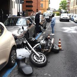 Bergamo, incidente in via San Bernardino Grave motociclista di 44 anni