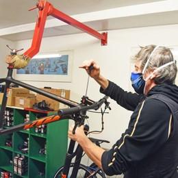 Biciclette, c'è un boom di riparazioni In attesa degli incentivi per l'acquisto
