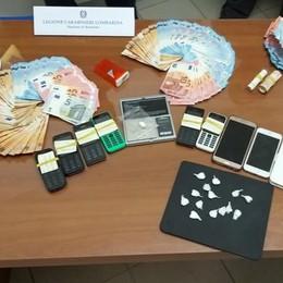 Brembate, arrestato spacciatore  Nell'abitazione sequestrati 11mila euro
