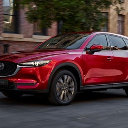 Mazda CX-5 si aggiorna  con la versione 2020