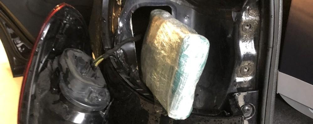 Viaggio di lavoro sospetto in Alto Adige A bordo dell'auto 1 chilo di cocaina - Video