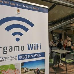Bergamo torna in «rete» Riaccesi i 307 hotspots wifi